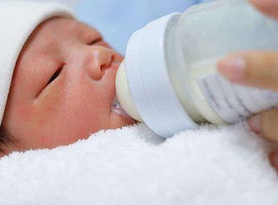 آموزش های کاربردی در تغذیه با شیر مادر